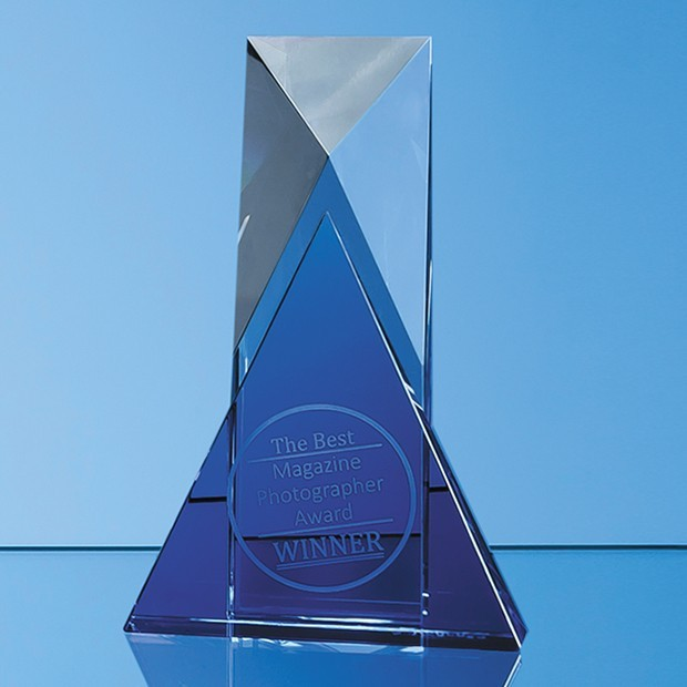 18cm Nik Meller Design Clear Optical Crystal & Cobalt Blue Mixx Award